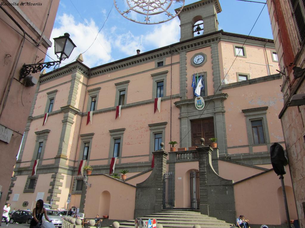 Risultati immagini per Palazzo Colonna del comune di Marino