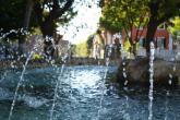 Moretti Ombretta - acqua viva al giardinaccio. Marino è viva come l'acqua della fontana al centro dello storico giardino.